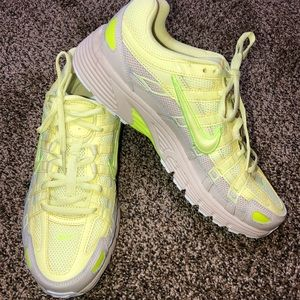 NWOT Nike P 6000 Running Shoes size 10